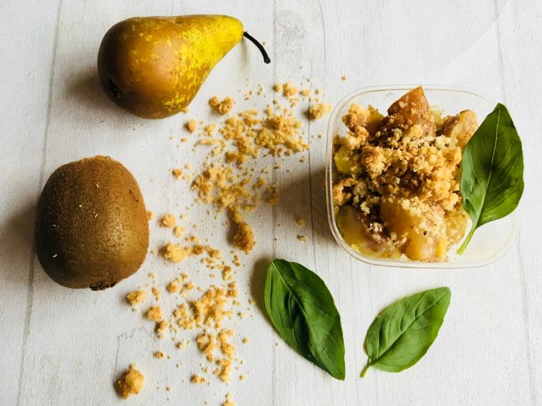Crumble poire kiwi 2.jpg